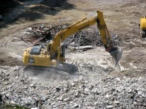 Rušenje orodjarne STT v Trbovljah